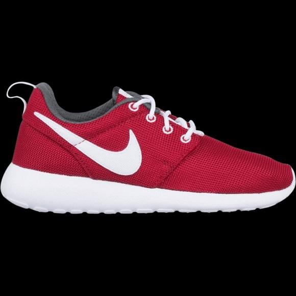 abda8902503e4 Nike Roshe One GS  Gym Red . M 5ba29c080cb5aab0789df727